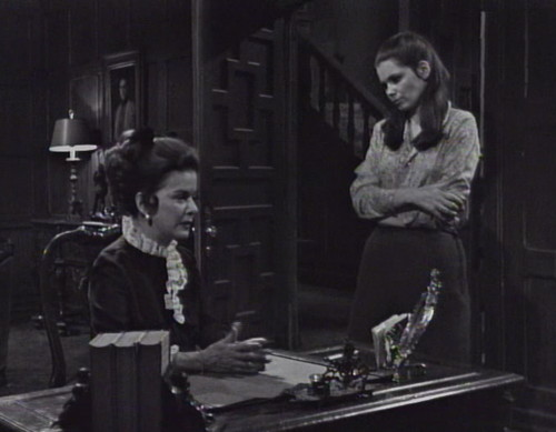 210 dark shadows liz vicki recap