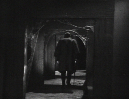 260 dark shadows hallway