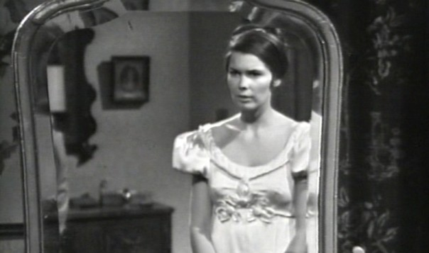 279 dark shadows header vicki mirror