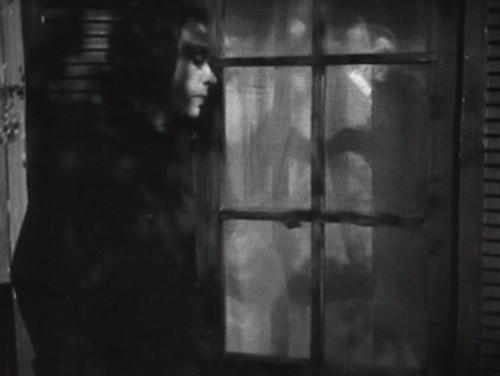289 dark shadows julia lurks