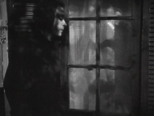 289 dark shadows julia lurks