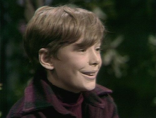 305 dark shadows david smile