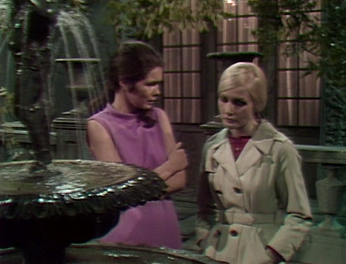 312 dark shadows vicki carolyn vacation