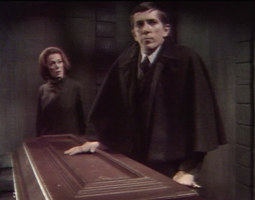 317 dark shadows julia barnabas coffin