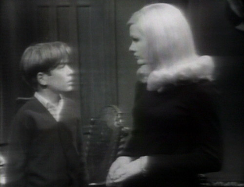 344 dark shadows david carolyn she's real