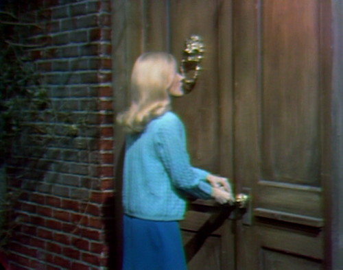 350 dark shadows carolyn breaking and entering