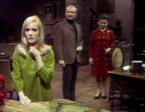 354 dark shadows carolyn roger liz