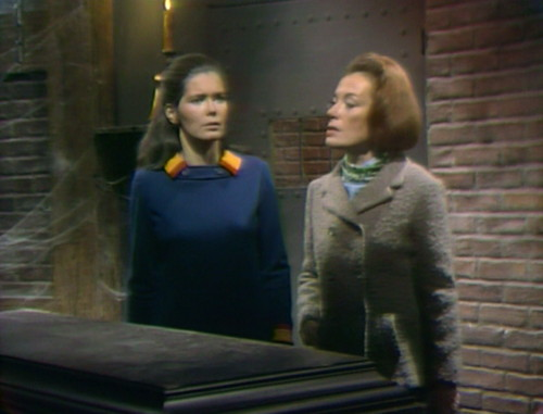 354 dark shadows vicki julia resist