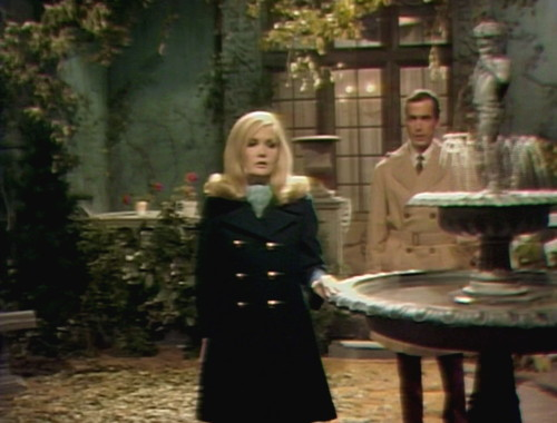 359 dark shadows carolyn tony finish