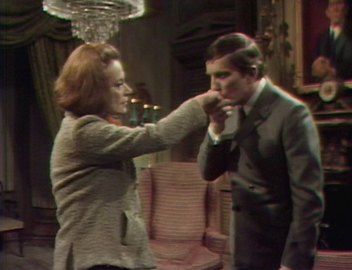 359 dark shadows julia barnabas kiss