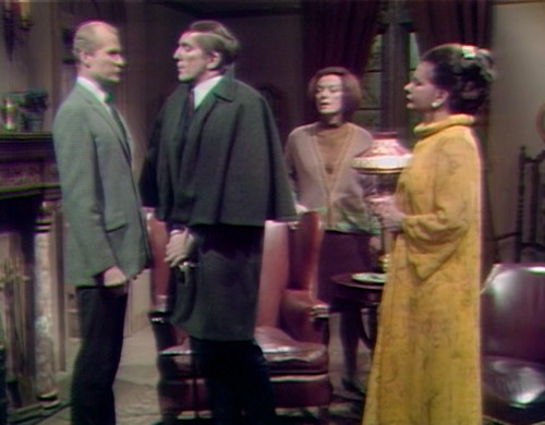365 dark shadows family meeting