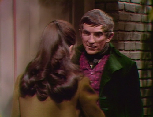 366 dark shadows vicki barnabas confused