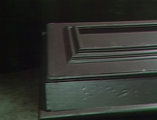 413 dark shadows coffin