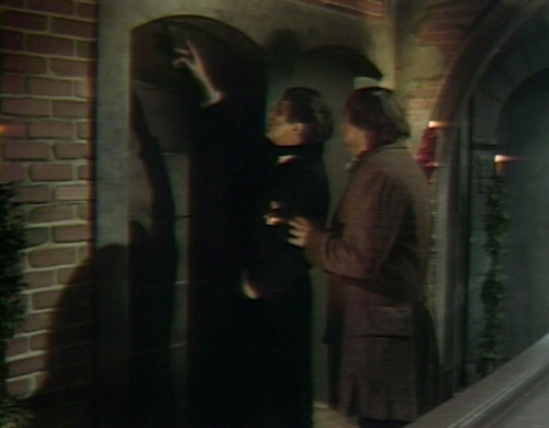 439 dark shadows alcove barnabas ben