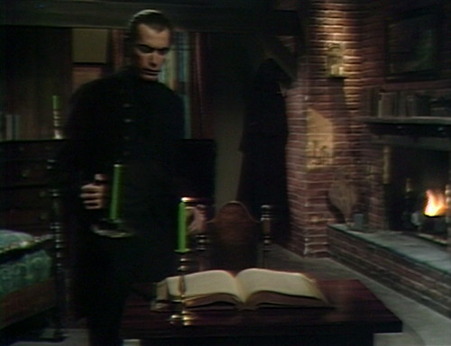 440 dark shadows candles trask
