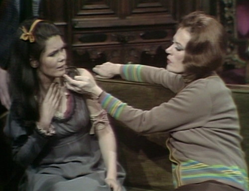 461 dark shadows neck vicki julia