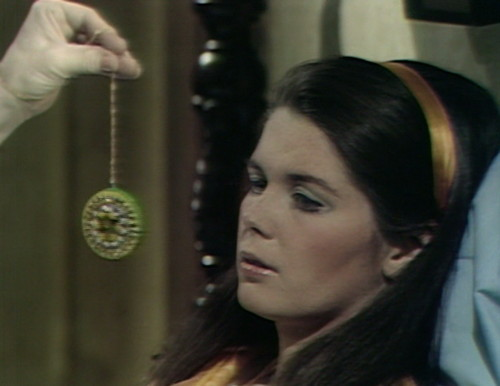 462 dark shadows medallion vicki