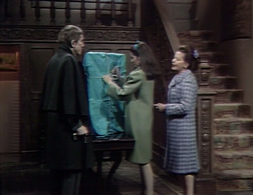 463 dark shadows picture barnabas vicki