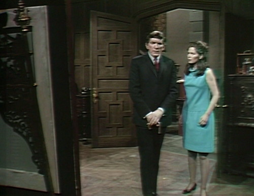 473 dark shadows body barnabas vicki