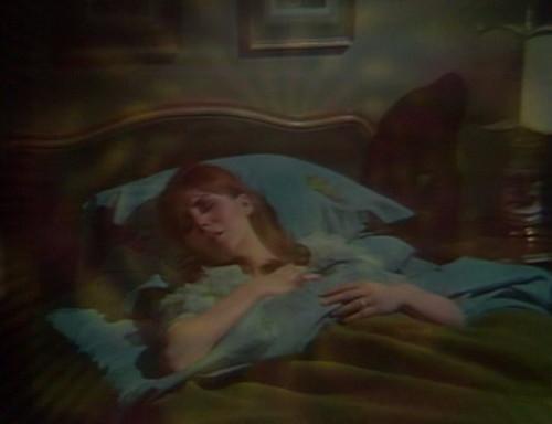 478 dark shadows bed maggie
