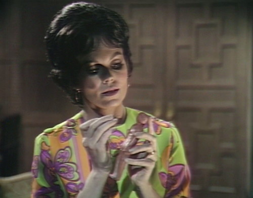 485 dark shadows pain cassandra