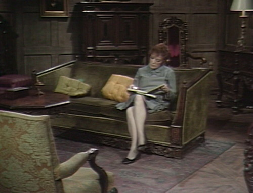 493 dark shadows reading julia