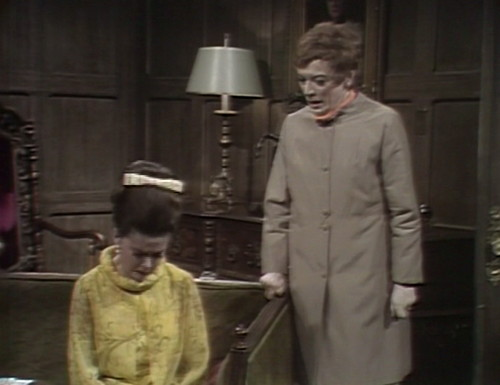 501 dark shadows liz julia right