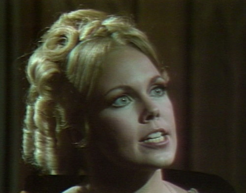 508 dark shadows angelique argue