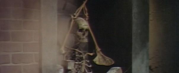 511 dark shadows trask skeleton header