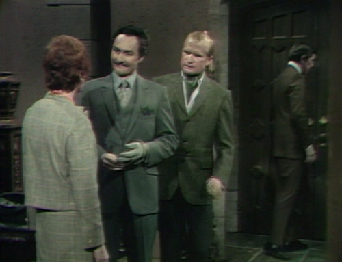 522 dark shadows nicholas entrance