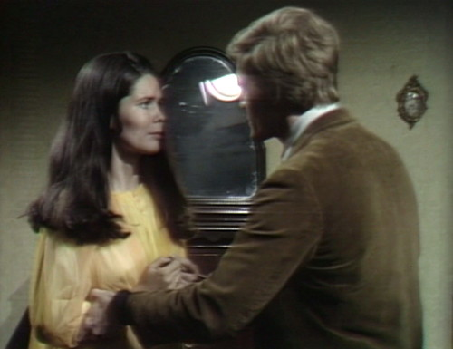 526 dark shadows vicki jeff mirror