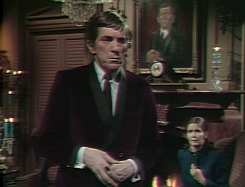 530 dark shadows barnabas vicki blocking