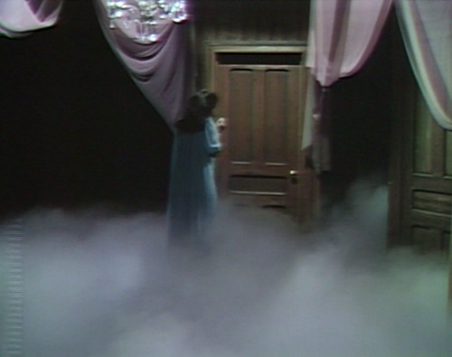 531 dark shadows vicki interior