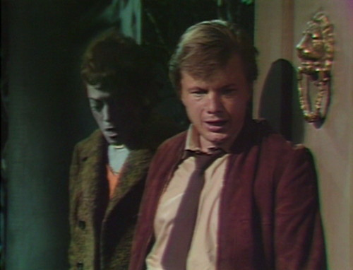 536 dark shadows willie prowling