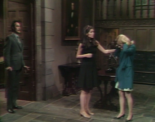 539 dark shadows vicki carolyn leave