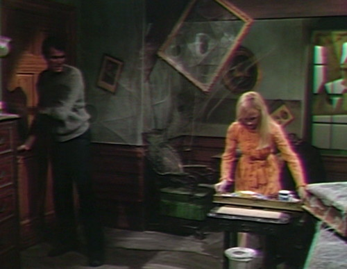 542 dark shadows adam carolyn frame