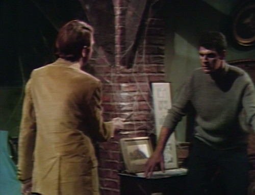 543 dark shadows harry adam holdup