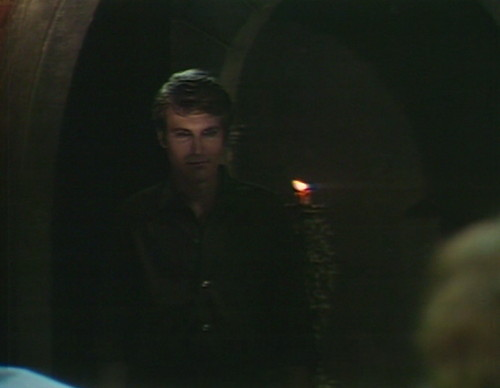 565 dark shadows tom story