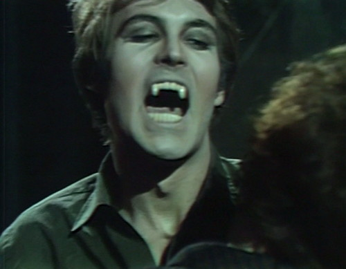 569 dark shadows tom vampire
