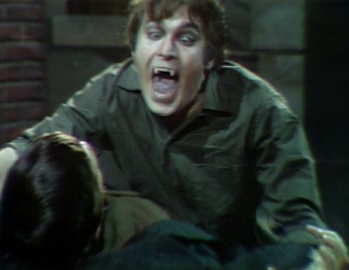 571 dark shadows tom chewing