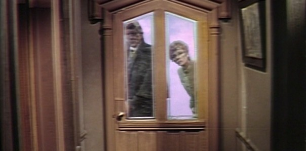 572 dark shadows junior detectives