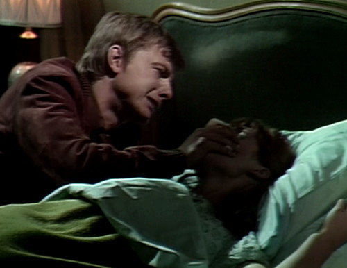 584 dark shadows willie maggie chloroform