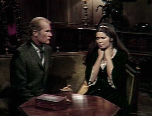 589 dark shadows roger vicki look