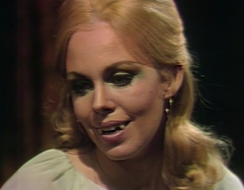 602 dark shadows angelique fangs