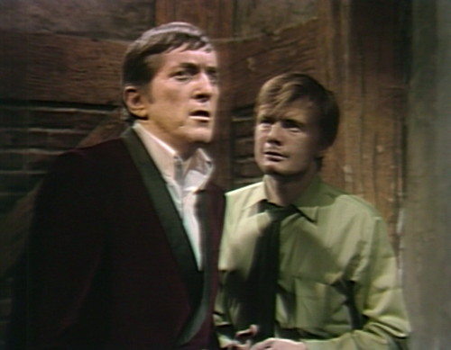 616 dark shadows barnabas willie howling