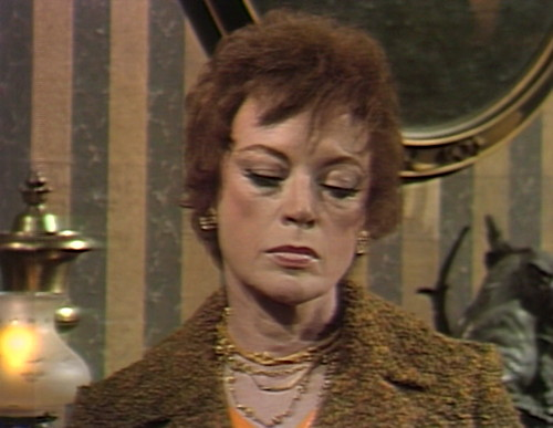 619 dark shadows julia power