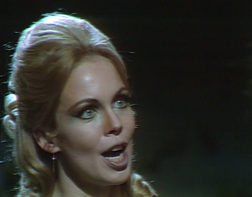 622 dark shadows angelique past