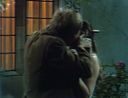 622 dark shadows jeff vicki kiss