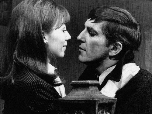 638 dark shadows maggie barnabas kissing
