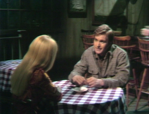 640 dark shadows carolyn chris date